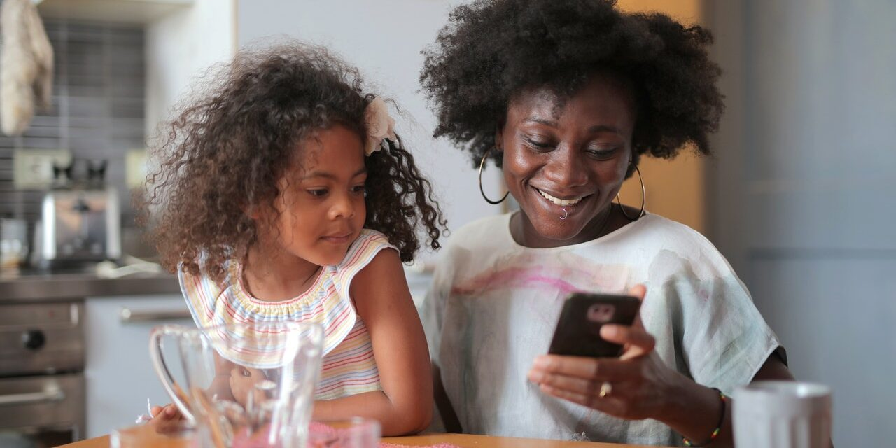 11 REASONS WHY KIDS DON'T NEED SMARTPHONES